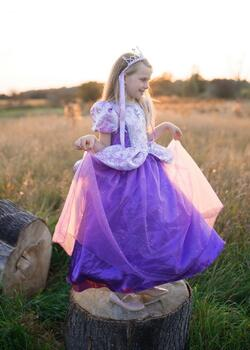 Kolli: 1 Royal Pretty Princess Dress, Lilac, Size 5-6